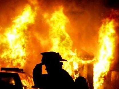 Поліція з'ясовує обставини смерті трьох людей під час пожежі в Рожищі