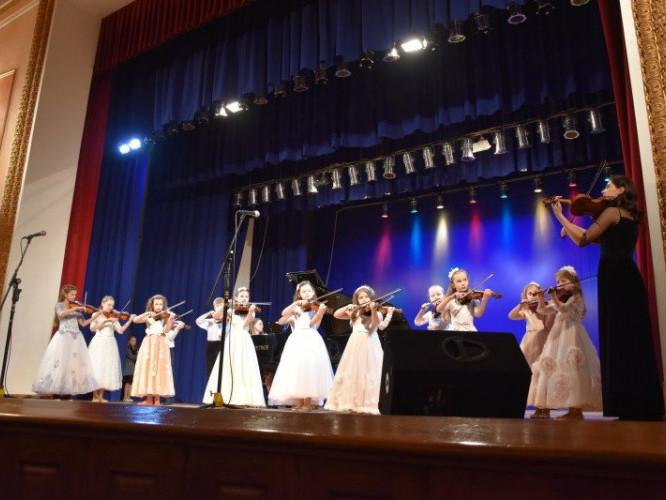 Лучан запрошують на звітний концерт учнів та педагогів музичної школи