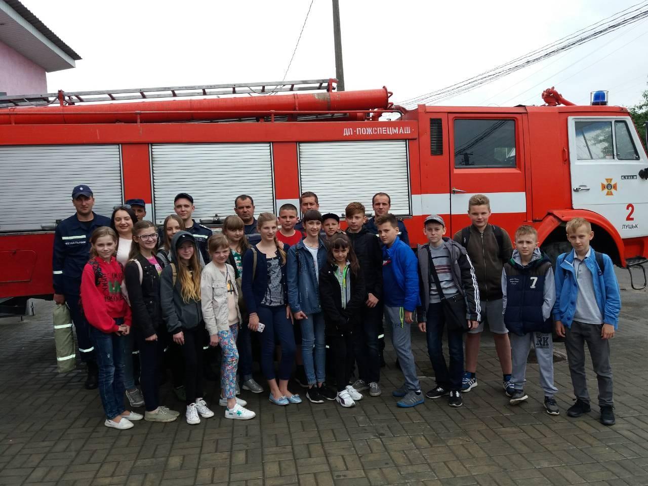 У Луцьку рятувальники пропагували безпеку школярам. ФОТО