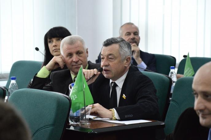 Дружина депутата Дендіберіна керує фірмою депутата Покровського