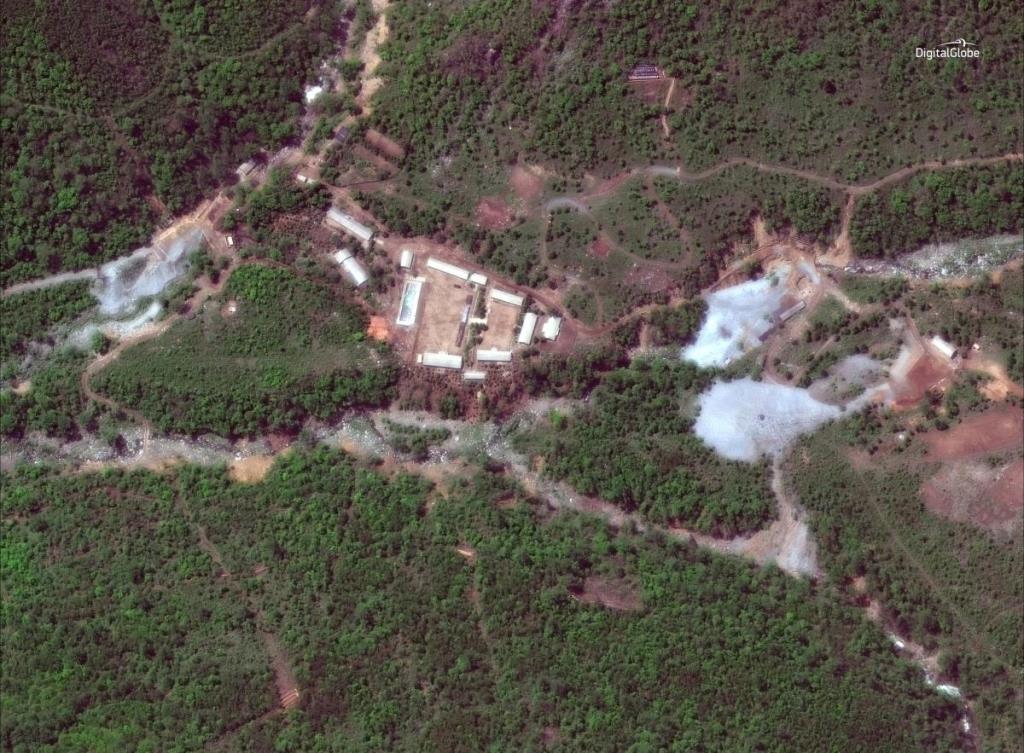 КНДР закрила ядерний полігон, підірвавши тунелі для випробувань