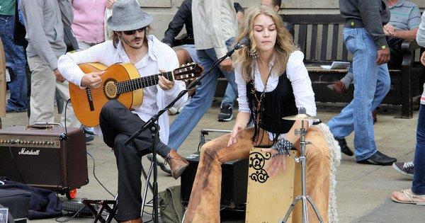У Лондоні запустили систему безконтактної оплати вуличним музикантам