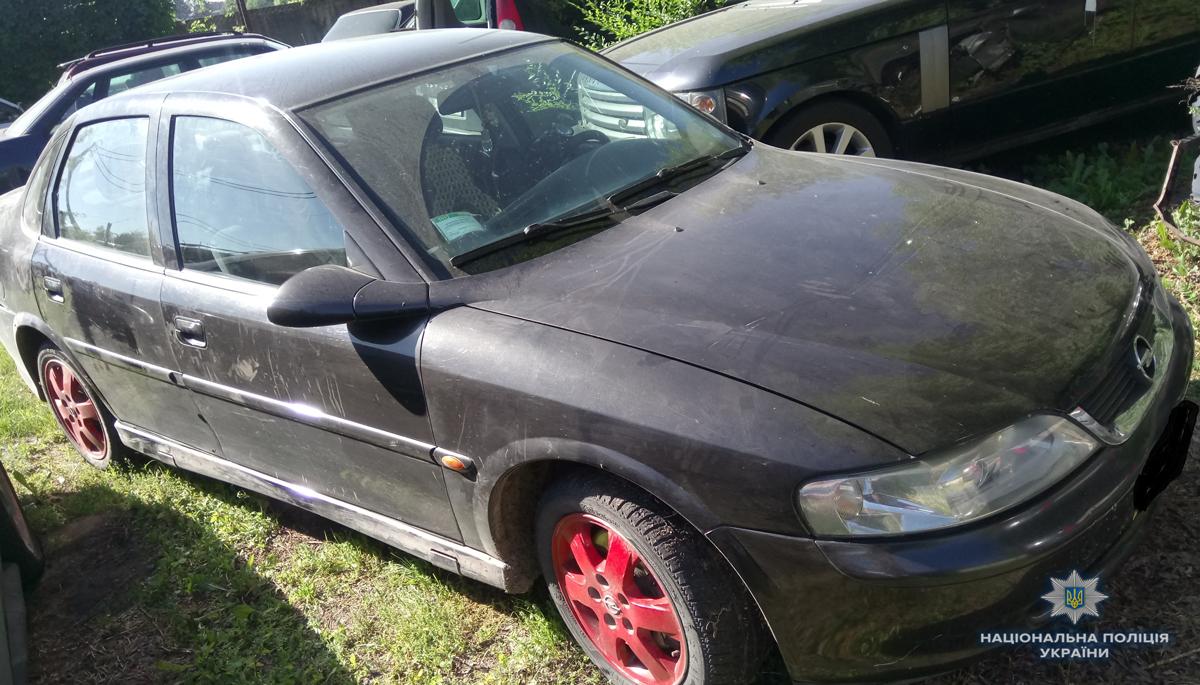 На Волині виявили автомобіль із підробними документами