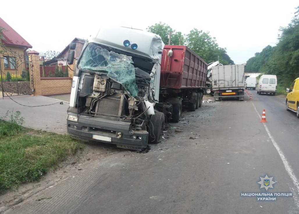 У Ківерцях зіткнулися дві вантажівки, є постраждалі