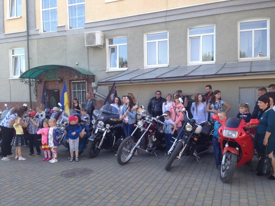 На Волині байкери влаштували свято для дітей. ФОТО