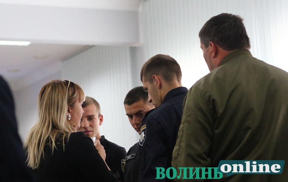 У Луцькраді під час сесій дозволили перебувати муніципалам у залі, внісши зміни у регламент