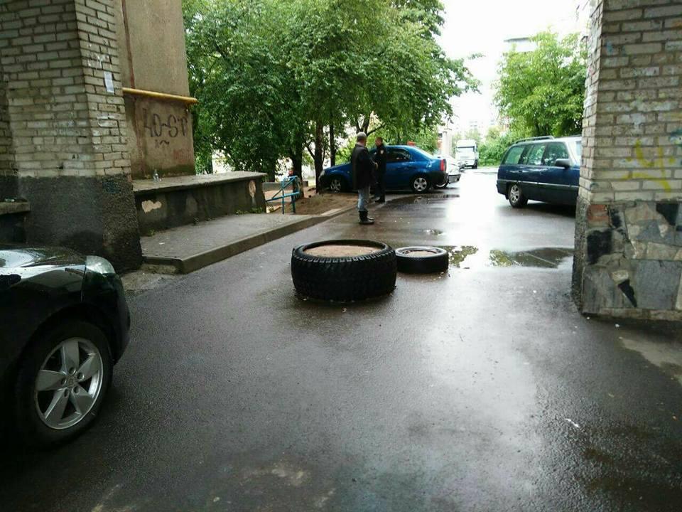 У Луцьку муніципали демонтували паркани та городи. ФОТО