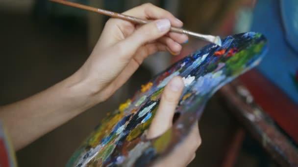 Лучан запрошують на виставку живопису
