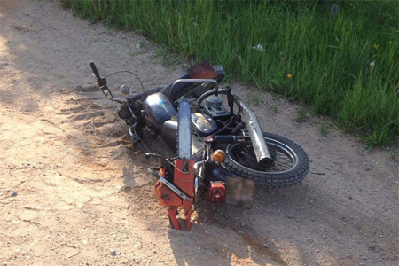 Волинянин не впорався з керуванням і впав з мотоцикла