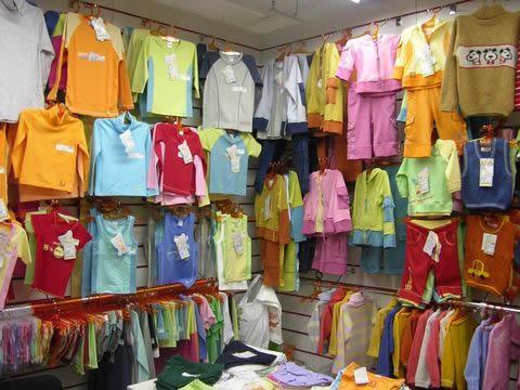 Ковельчанка вкрала з магазину дитячий одяг