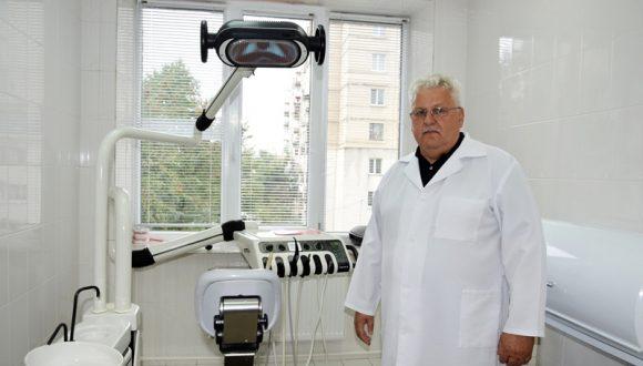 Очільник Волинської стоматполіклініки задекларував чотири помешкання, фірму та авто