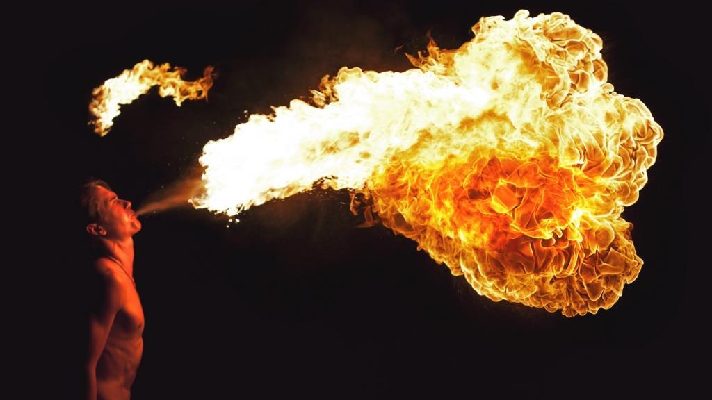 Лучан кличуть на вогняне шоу