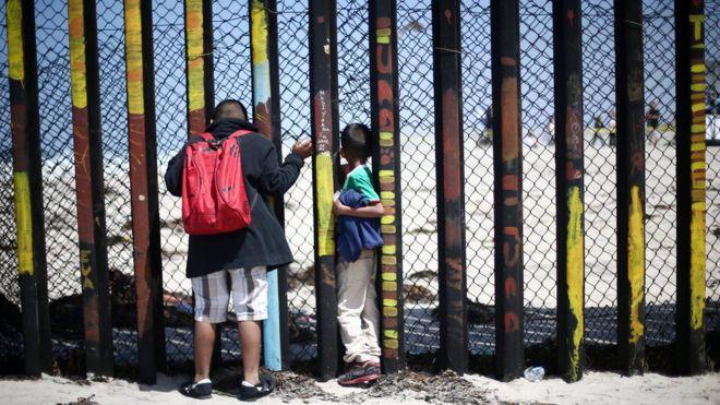 Трамп пообіцяв припинити політику розділення сімей мігрантів