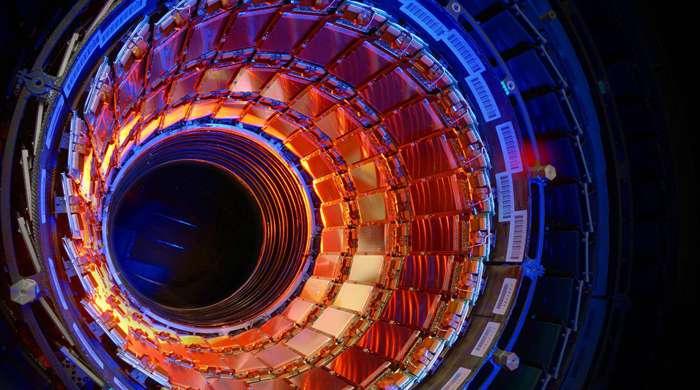 У Швейцарії розпочали модифікацію Великого адронного колайдера