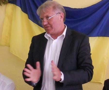 На посаду заступника Савченка претендує директор трьох фірм, власник колекції монет, двох авто та 100 тисяч доларів готівкою