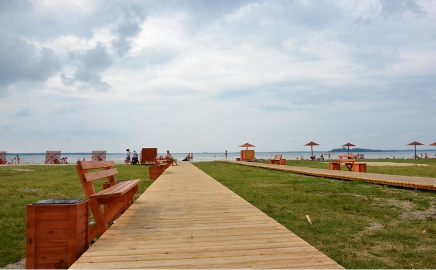 Голова Волинської ОДА розкритикував пляжі на озері Світязь