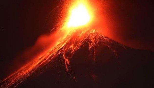 Шестеро загиблих і десятки поранених в результаті виверження вулкана в Гватемалі