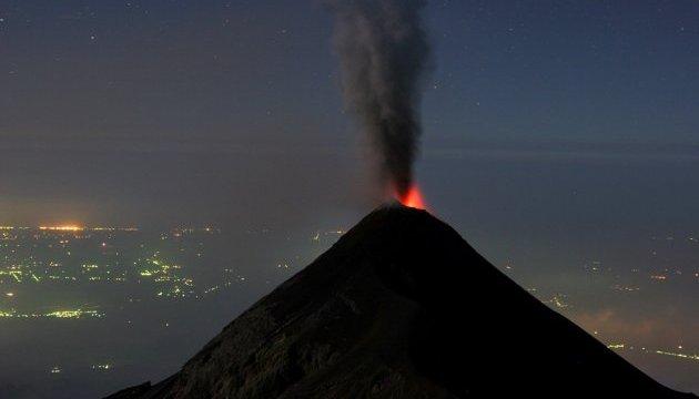 У Японії нове виверження вулкану