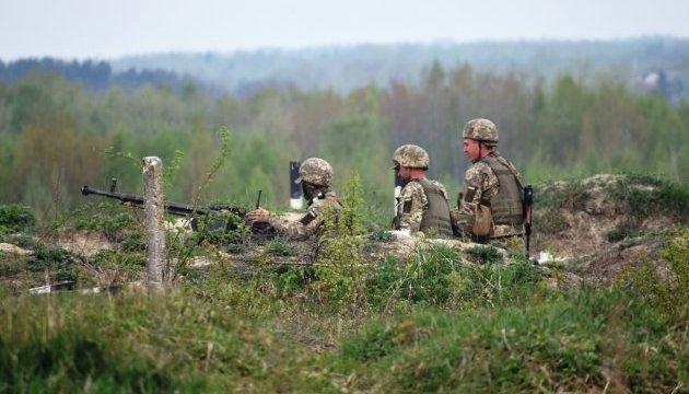 За добу сили ООС зупинили дві атаки та знищили п'ятьох бойовиків