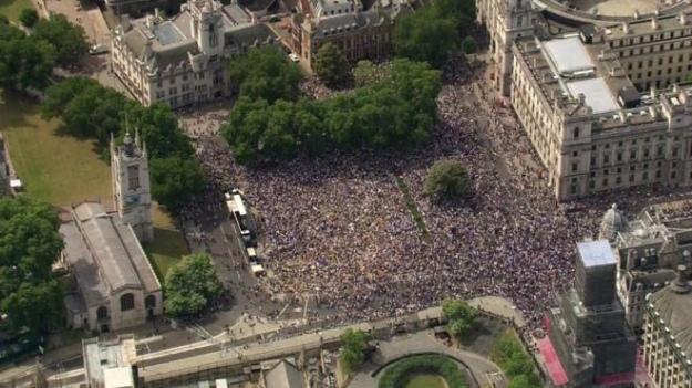 У Лондоні тисячі людей вимагають провести новий референдум щодо Brexit