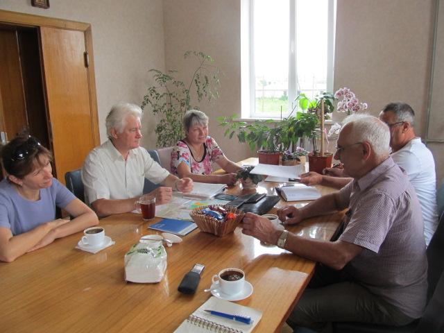 Чаруківська сільрада вирішує до кого приєднатись. ФОТО