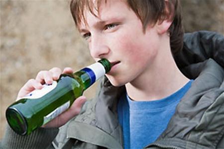 На Волині у бізнесменів, які продавали алкоголь неповнолітнім, забрали ліцензії