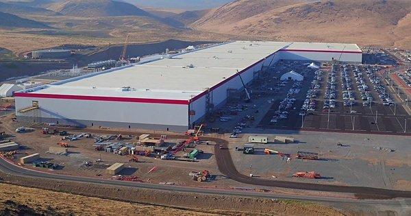 У Китаї збудують найбільший завод з виробництва акумуляторів у світі