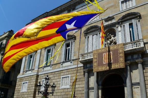 Мадрид затвердив новий уряд Каталонії без ув'язнених політиків
