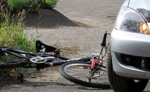 На Львівщині п'яний депутат збив на смерть велосипедистку