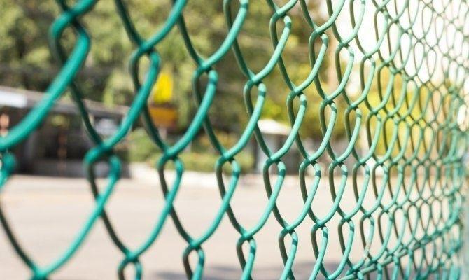 Волинянин викрав 10 метрів металевої сітки з дачної ділянки