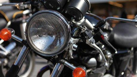 На Волині хлопець на мотоциклі збив дівчину