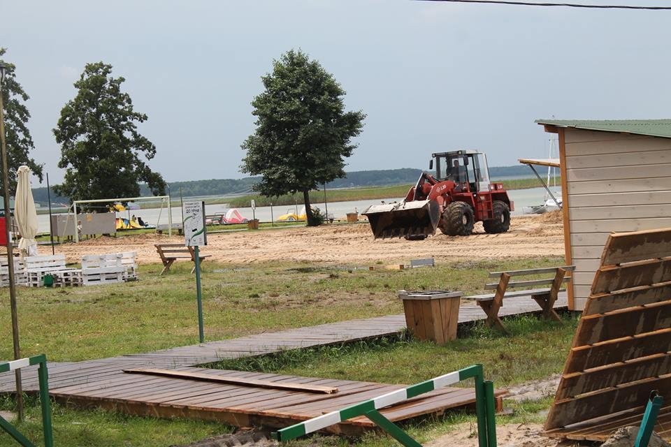 На Світязі тривають роботи з облаштування центрального пляжу