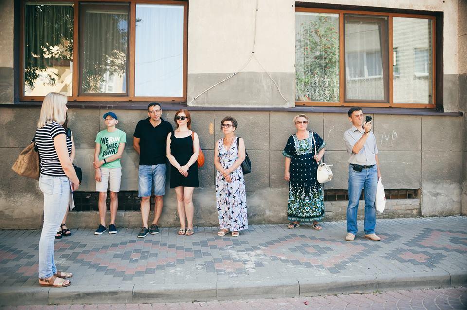 У Луцьку випускники школи екскурсоводів проводять перші екскурсії. ФОТО