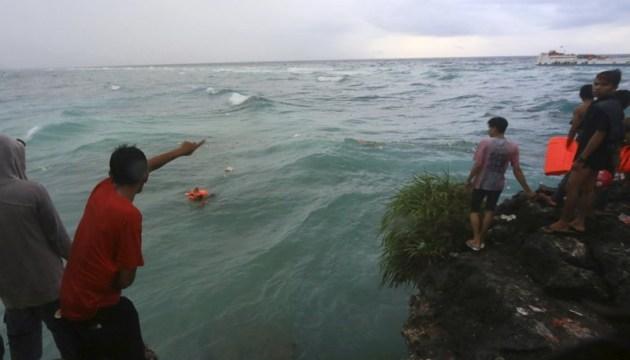 В Індонезії затонув пором: понад 30 загиблих