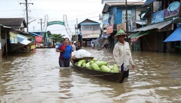 У М'янмі повені «вигнали» тисячі людей з домівок