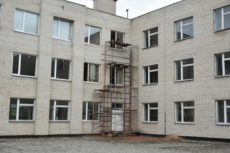 Заклади освіти Луцька готуються до нового навчального року. ФОТО