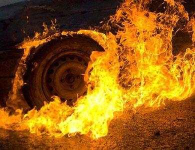 У місті на Волині через замикання проводки загорівся автомобіль