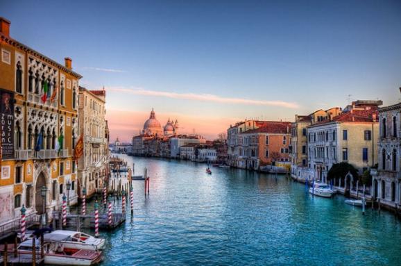 У Венеції заборонили рух на каяках і каное по Гранд-каналу
