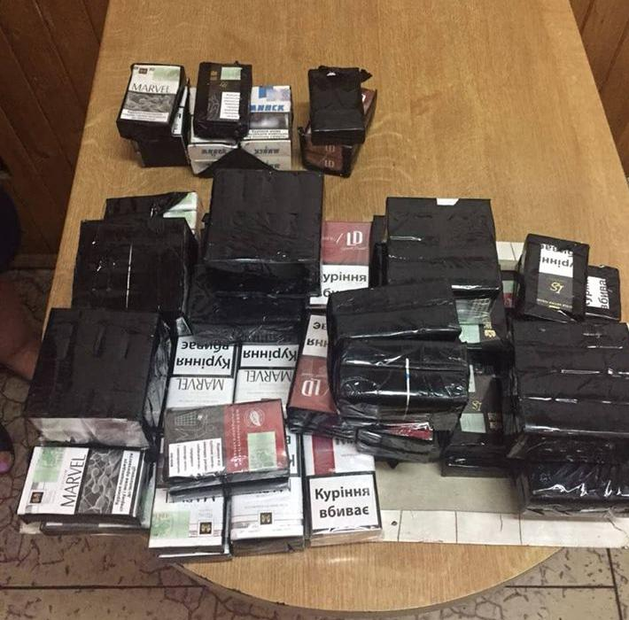 Через «Устилуг» хотіли перевезти контрабандні сигарети. ФОТО
