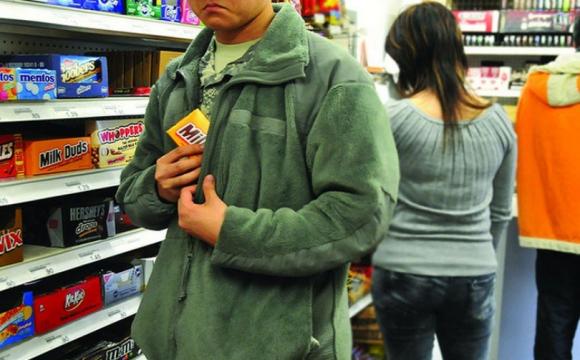 Волинянин викрав продукти із супермаркету