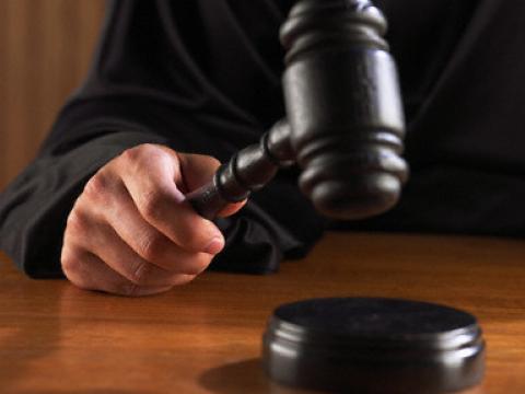 На Волині засудили адвоката, який за хабар пообіцяв вплинути на рішення суду