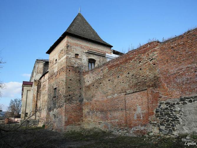 У старій частині Луцька розпочнуть реставраційні роботи вежі Чарторийських