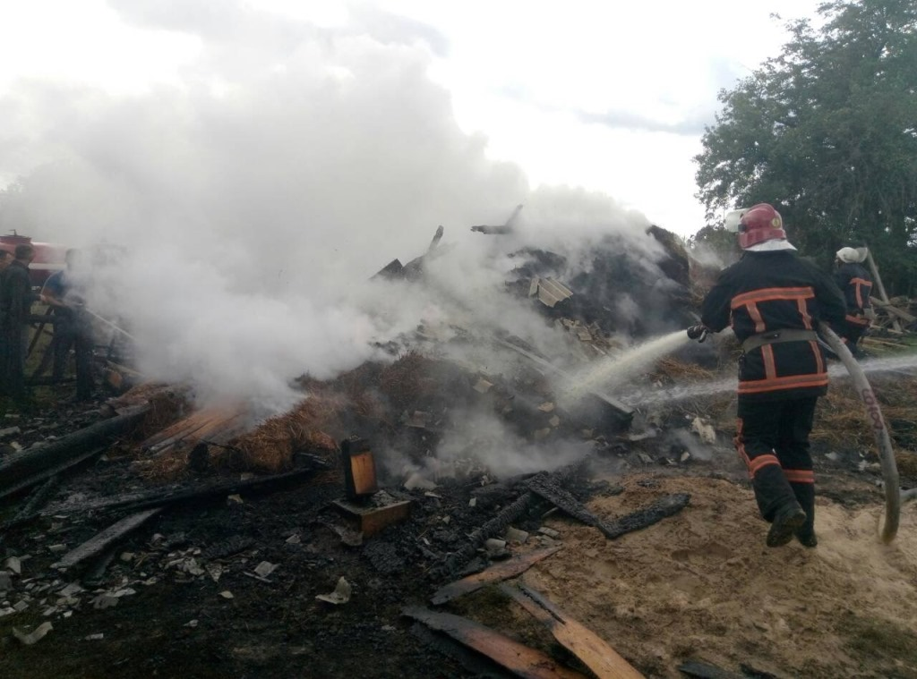 Протягом доби волинські рятувальники ліквідували чотири пожежі