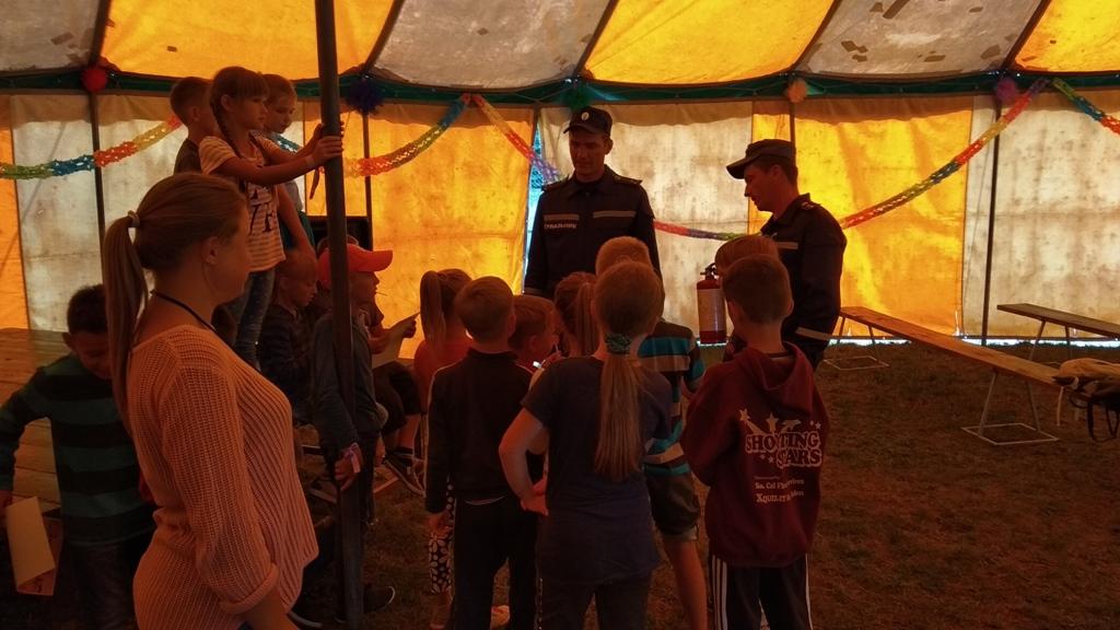 На Волині рятувальники навчали вихованців табору правил безпеки