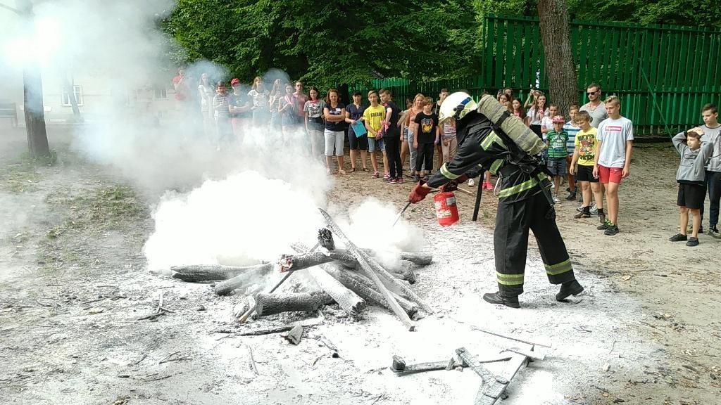 На Волині рятувальники провели квест для вихованців табору. ФОТО. ВІДЕО