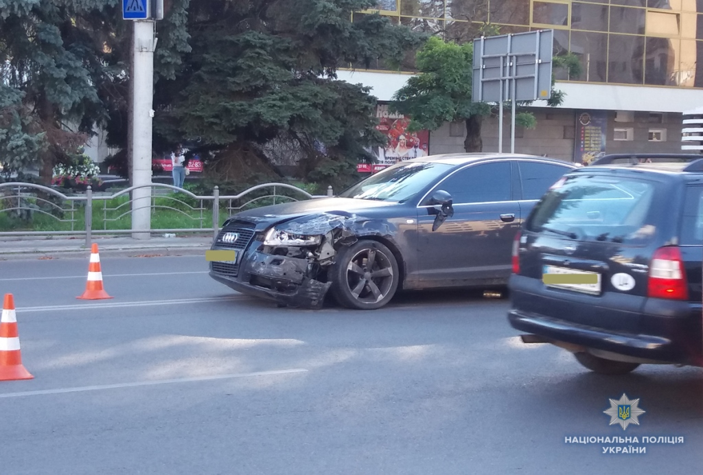 У Луцьку у ДТП зіткнулись два автомобілі. ФОТО