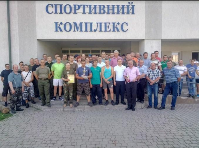 У Володимирі-Волинському лісівники мірялися силою. ФОТО