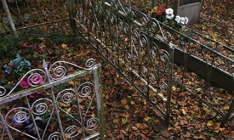 Неподалік Луцька чоловік обкрадав кладовища