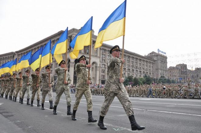 Парад у Києві з нагоди Дня незалежності України транслюватимуть на Театральному майдані