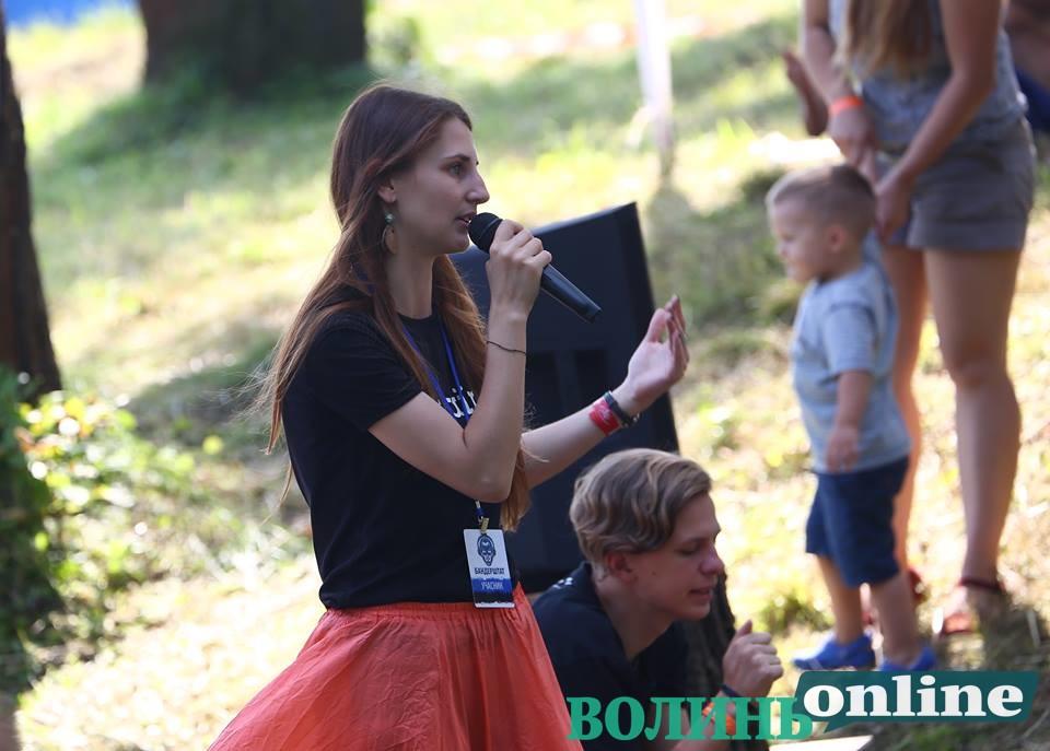 На гутірковій сцені «Бандерштату» презентували популярний проект «Ukraїner»